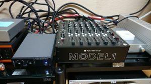 MODEL1とV600